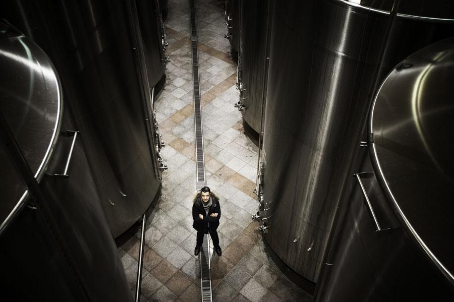 France, Rhône (69), Ampuis, vallée du Rhône, vin de Côte du Rhône, vignoble de Côte-Rôtie (AOC), caves de la maison Guigal, Philippe Guigal propriétaire // France, Rhone, Ampuis, Rhone valley, wine of Cote du Rhone, vineyards of Cote Rotie, cellars of the Guigal wine house, Phillipe Guigal owner