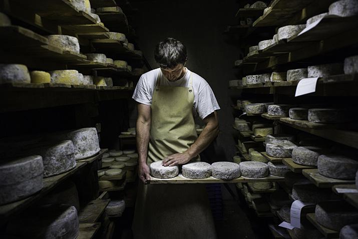 Cordon, ferme de l'Abérieux, fabrication de tomme de Savoie